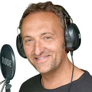 Duitse-stemacteur-voice-over-Matthias_Ernst_Holzmann-205-1024x1024