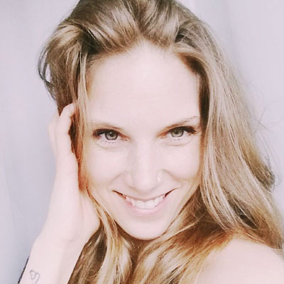 Nederlandse-stemacteur-voice-over-petra